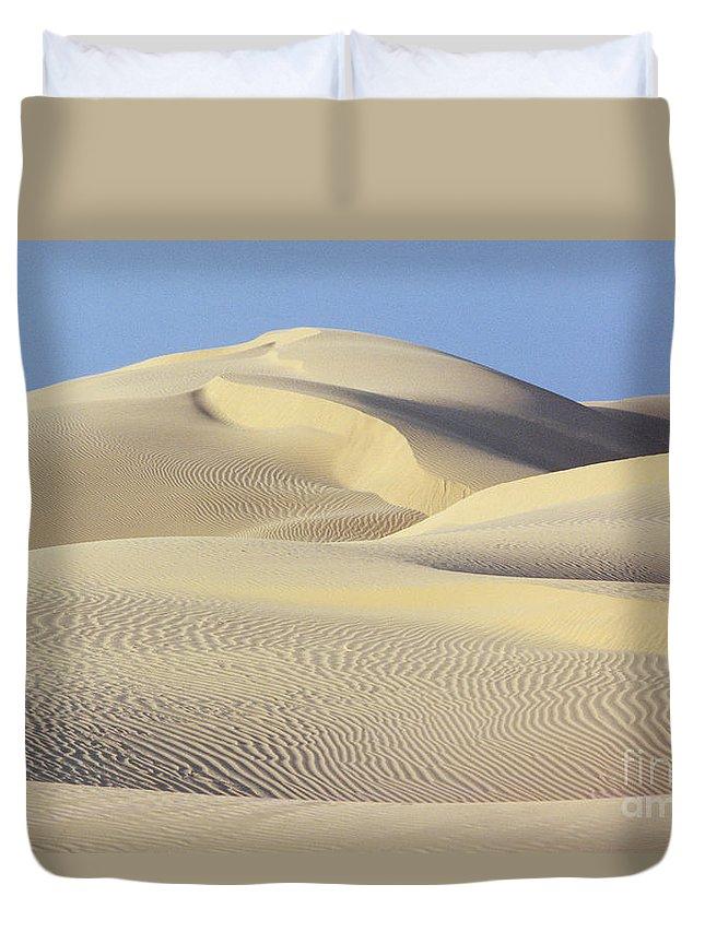 Asian Art Duvet Cover featuring the photograph Thar Desert Dunes by Gloria & Richard Maschmeyer - Printscapes