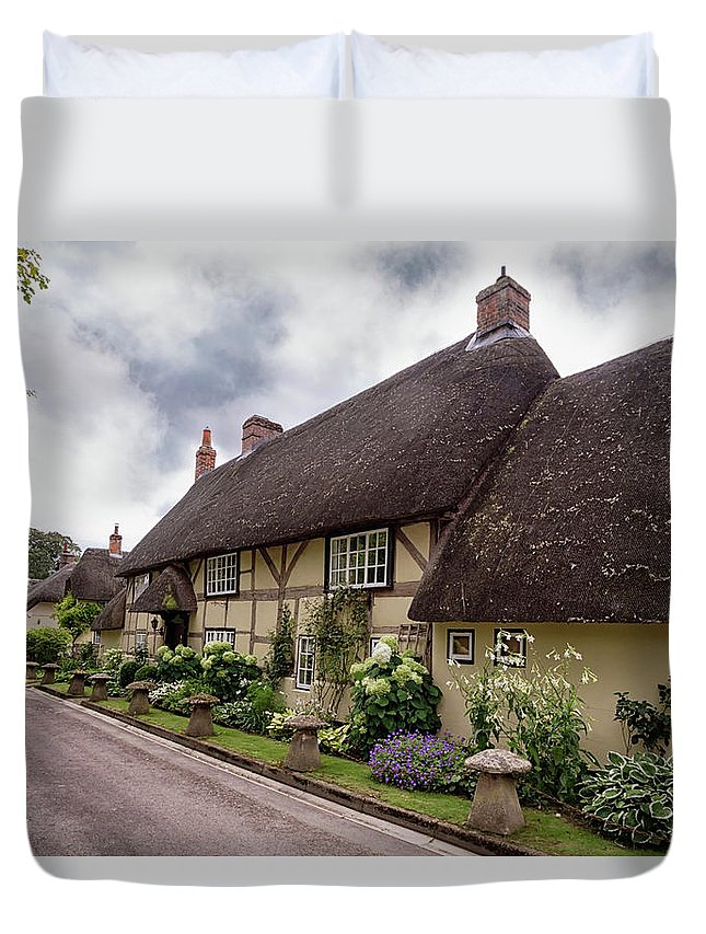 Cottage Duvet Cover featuring the photograph Thatched Cottages Of Hampshire 20 by Shirley Mitchell
