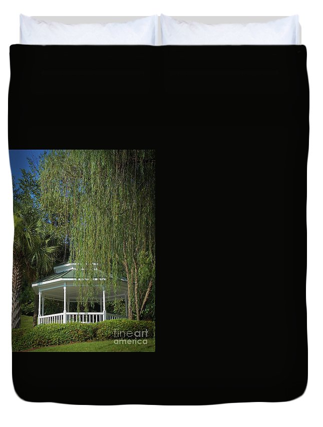 Scenic Tours Duvet Cover featuring the photograph The Gazebo by Skip Willits