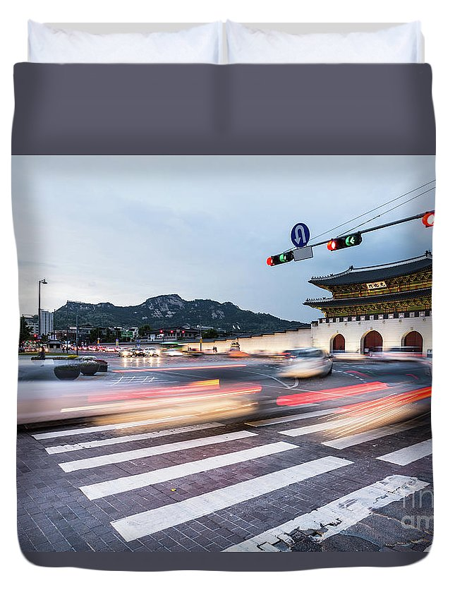 Ancient Duvet Cover featuring the photograph The Streets Of Seoul, South Korea by Didier Marti