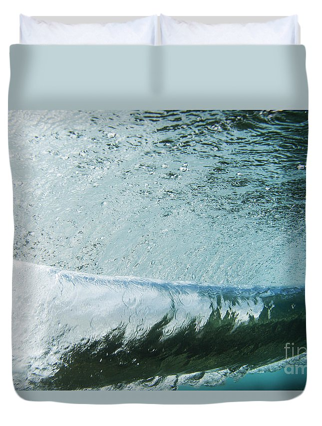 Amaze Duvet Cover featuring the photograph Underwater Barrel by Vince Cavataio - Printscapes