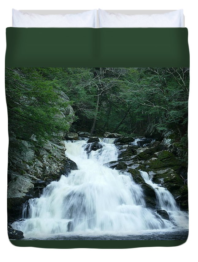 Wahconah Falls Duvet Cover featuring the photograph Wahconah Falls 3 by Debbie Storie