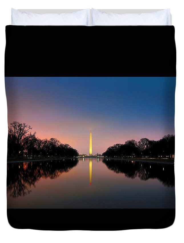 Lincoln Memorial Duvet Cover featuring the photograph Washington Monument 1 by Scott Fracasso
