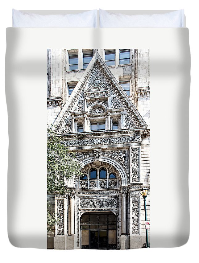 Philadelphia Duvet Cover featuring the photograph Witherspoon Building by Kenneth Grant