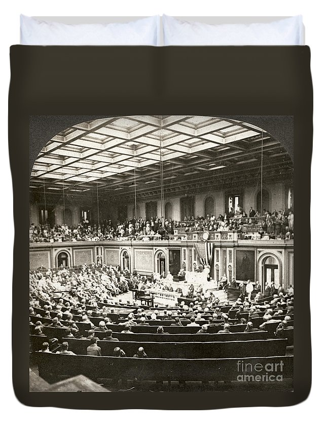 1917 Duvet Cover featuring the photograph Woodrow Wilson (1856-1924) by Granger