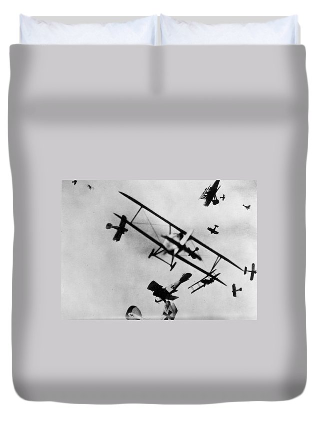 1910s Duvet Cover featuring the photograph Wwi: Dogfight by Granger
