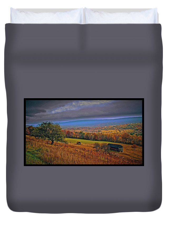 Farm Duvet Cover featuring the photograph 101214-87 by Mike Davis