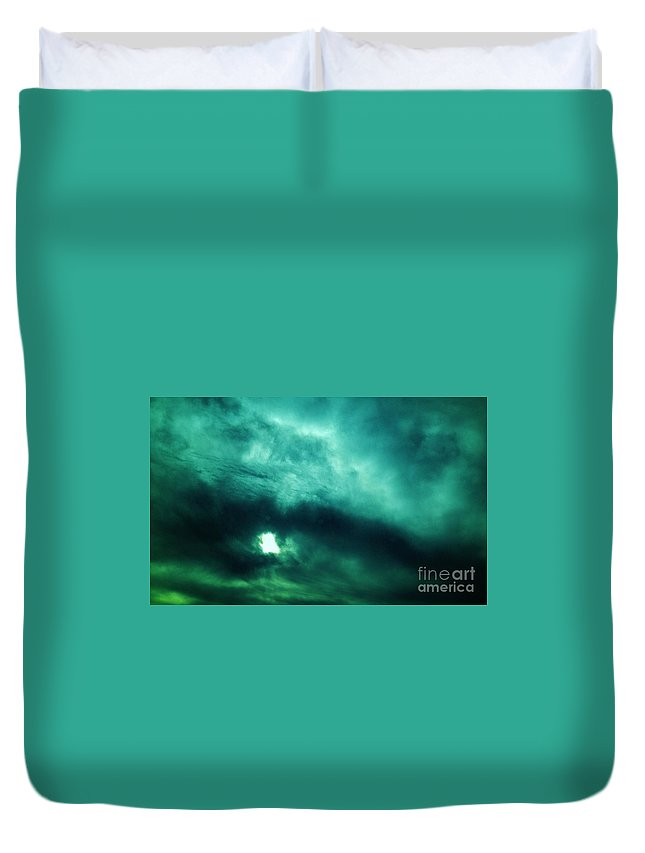 Iphone 4s Duvet Cover featuring the photograph 10272012011 by Debbie L Foreman