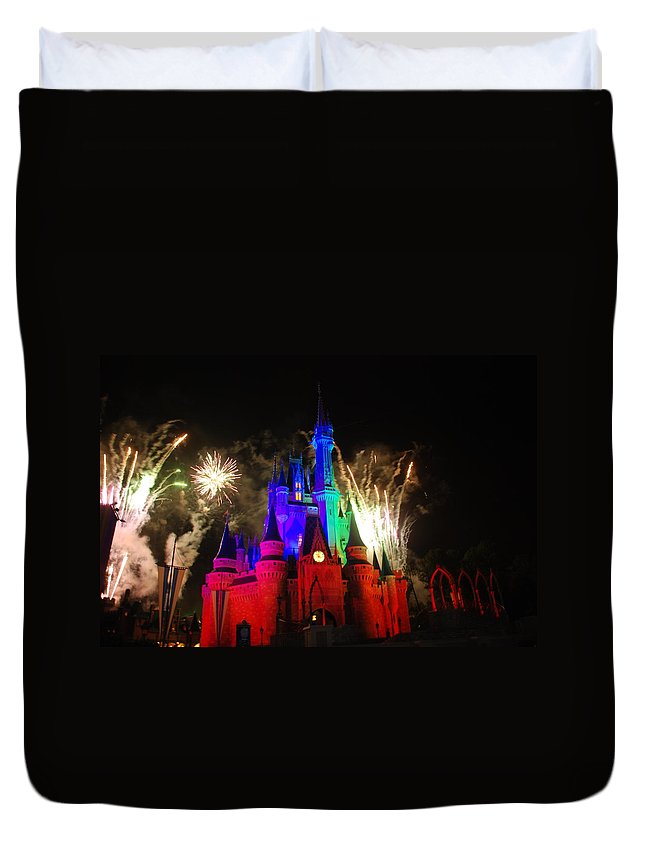 Walt Disney World Duvet Cover featuring the photograph Cinderella Castle by Rob Hans