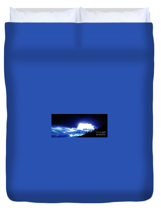 Iphone 4s Duvet Cover featuring the photograph 11072012007 by Debbie L Foreman