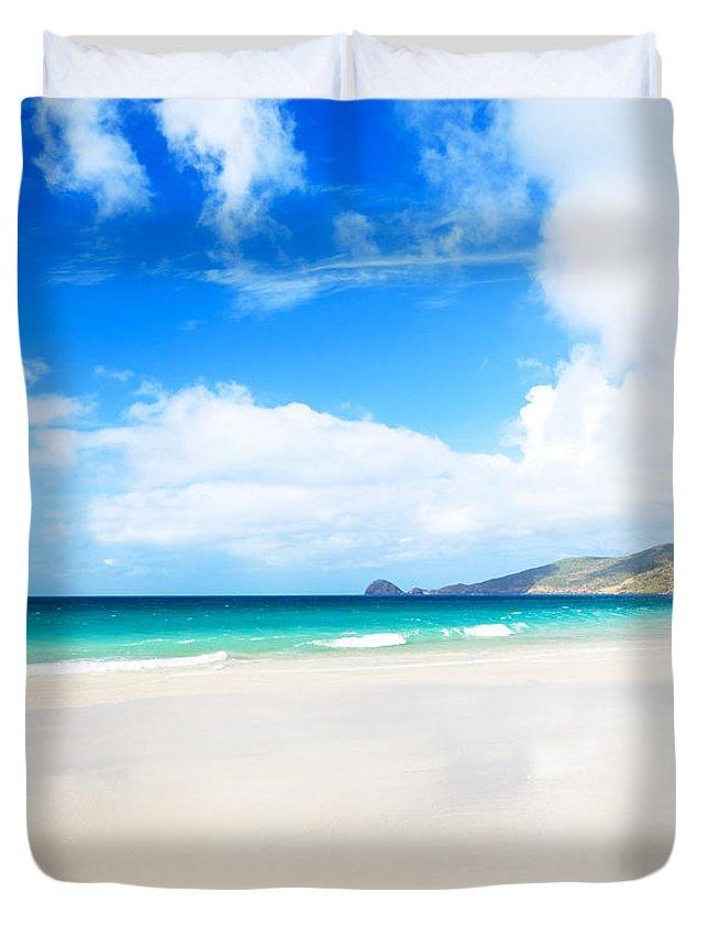 Sunrise Duvet Cover featuring the photograph Seascape by MotHaiBaPhoto Prints