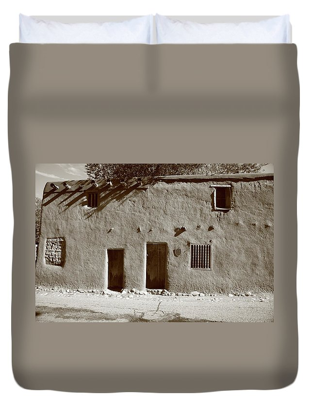 Adobe Duvet Cover featuring the photograph Santa Fe - Adobe Building by Frank Romeo