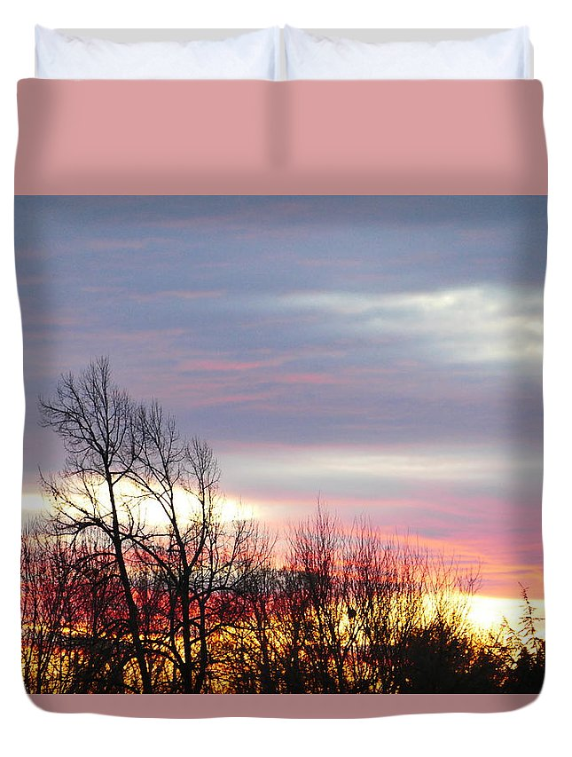 Idaho Sunset Duvet Cover featuring the photograph Horizon by Paul Stanner