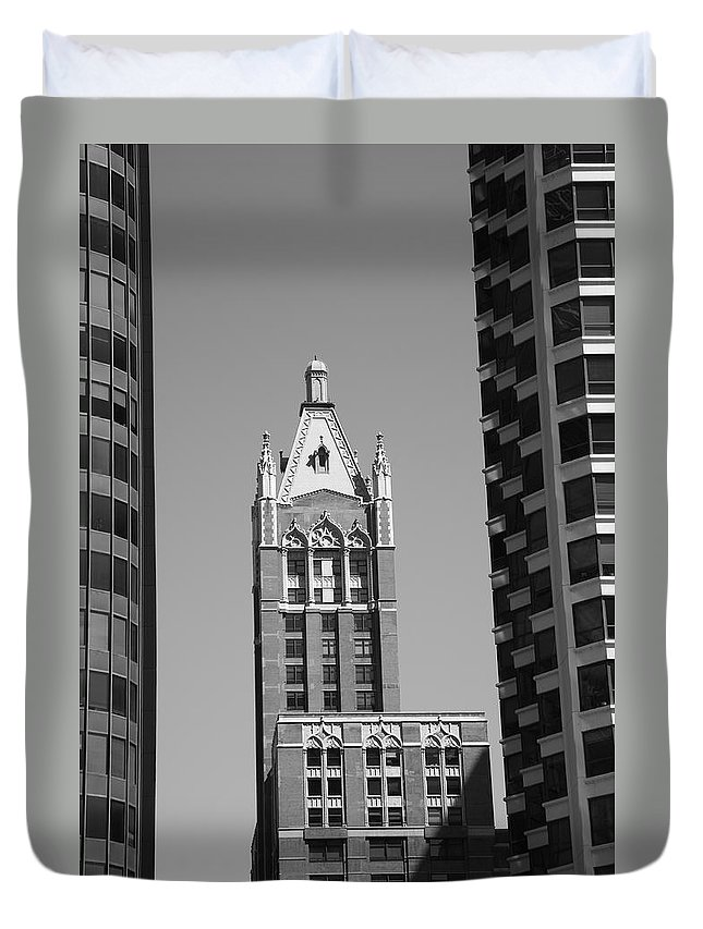 America Duvet Cover featuring the photograph Chicago Skyscrapers by Frank Romeo