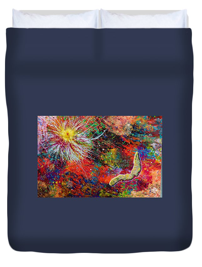 Abstract Duvet Cover featuring the painting 16-9 Red Star Burst by Patrick OLeary