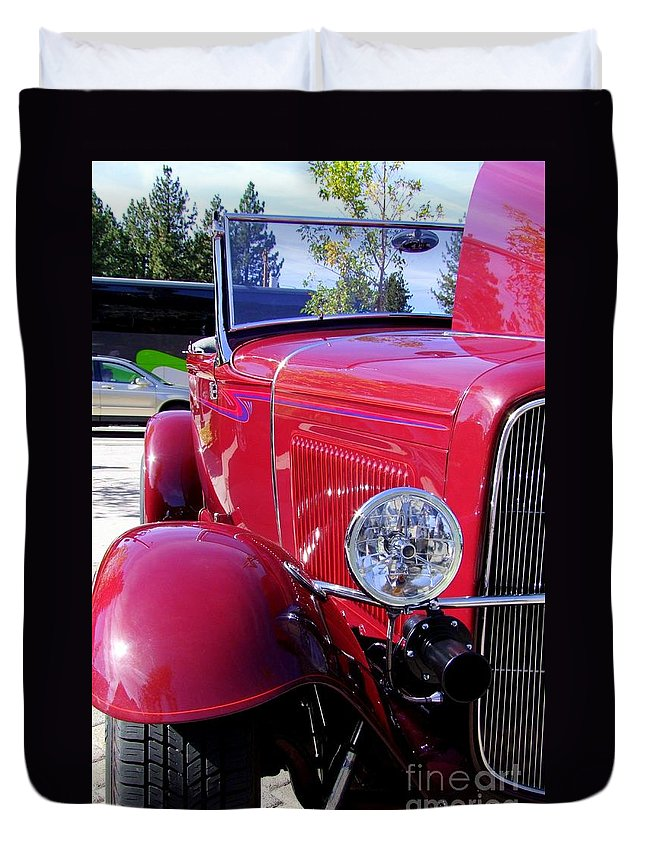Red Cars Duvet Cover featuring the photograph 1931 Ford by Mary Deal