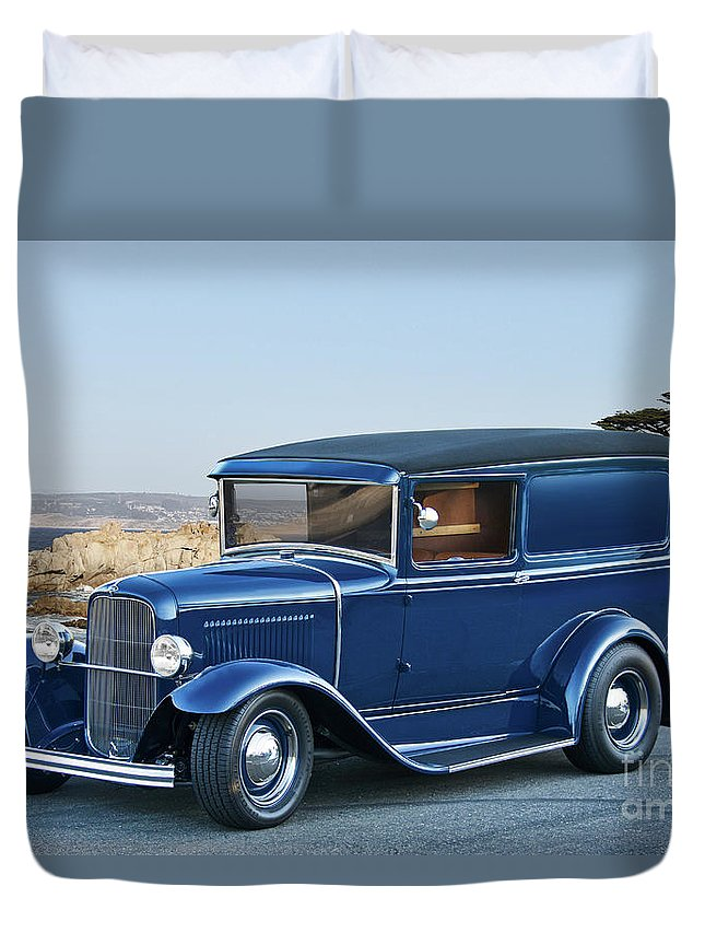 Auto Duvet Cover featuring the photograph 1932 Ford Sedan Delivery II by Dave Koontz