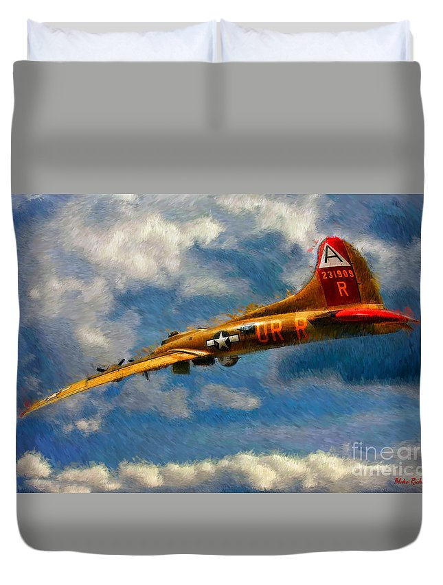 1949 Boeing B-17b Flying Fortress Duvet Cover featuring the photograph 1949 Boeing B-17b Flying Fortress by Blake Richards
