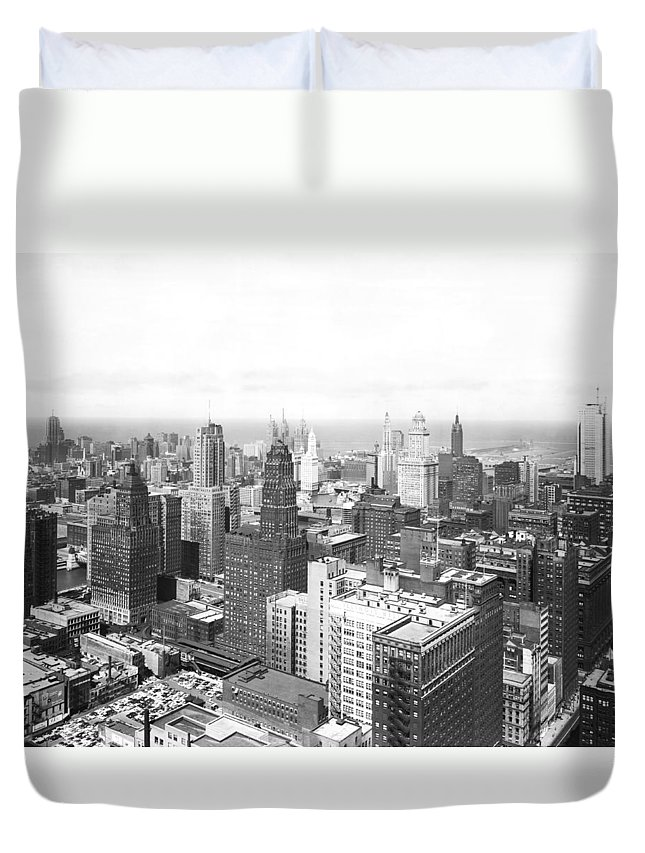 1950's Duvet Cover featuring the photograph 1955 Downtown Chicago by Underwood Archives