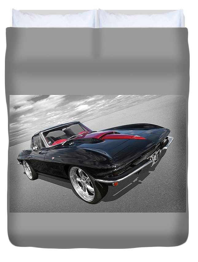 1963 Corvette Stingray Split Window In Black And Red Duvet Cover