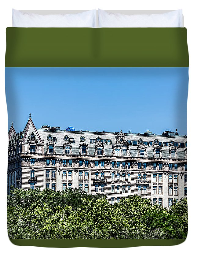 New York City Duvet Cover featuring the photograph 135 Cpw by Kenneth Grant