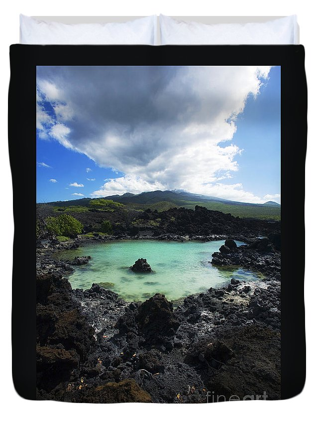 Ahihi Kinau Duvet Cover featuring the photograph Ahihi Kinau Natural Reserve by Ron Dahlquist - Printscapes