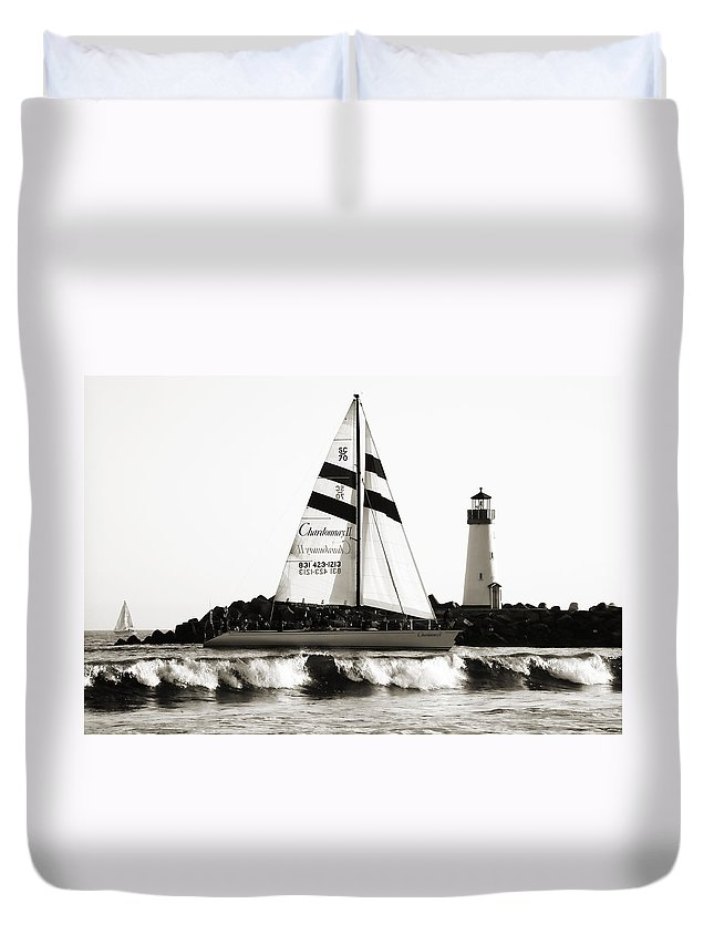 Santa Cruz Duvet Cover featuring the photograph 2 Boats Approach 2 by Marilyn Hunt