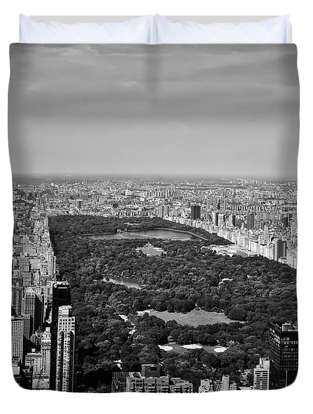 Central Park Duvet Cover featuring the photograph Central Park by L O C