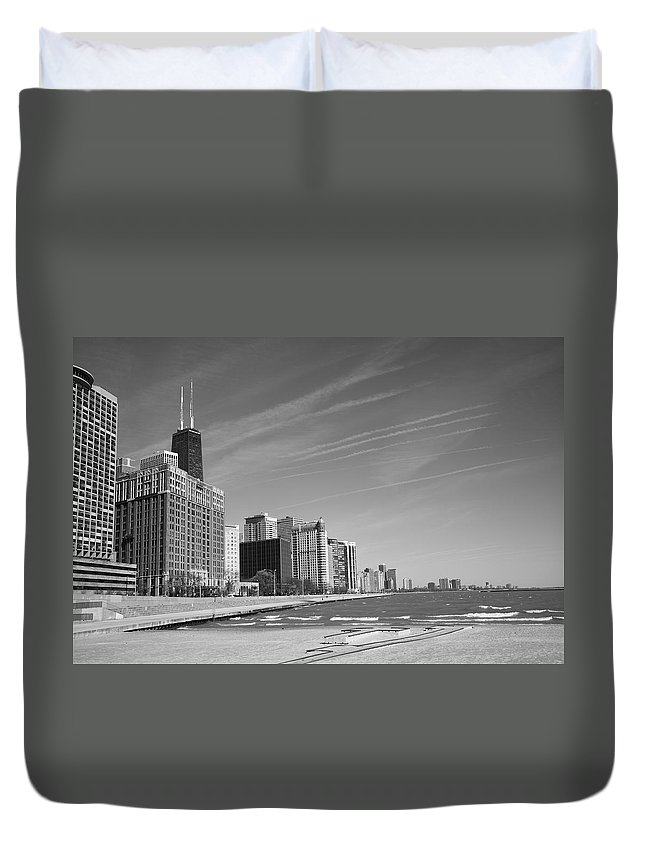 America Duvet Cover featuring the photograph Chicago Skyline And Beach by Frank Romeo