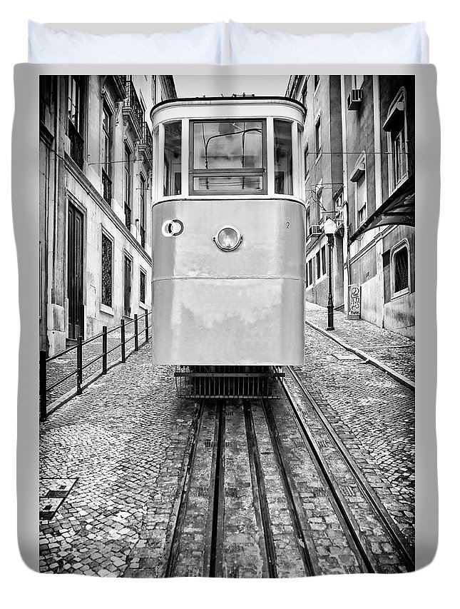 Elevador Duvet Cover featuring the photograph Gloria Funicular by Jose Elias - Sofia Pereira