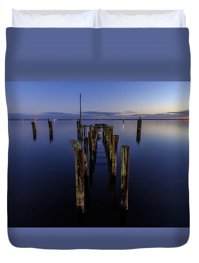Sanford Duvet Cover featuring the photograph Lake Monroe Dock by Stefan Mazzola
