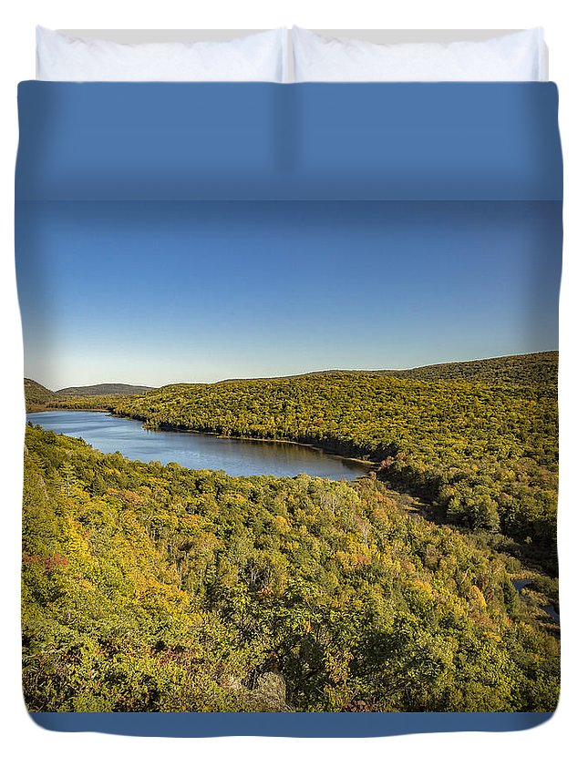 Fall Duvet Cover featuring the photograph Lake Of The Clouds by Jack R Perry