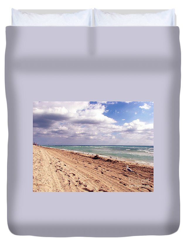 Beaches Duvet Cover featuring the photograph Miami Beach by Amanda Barcon