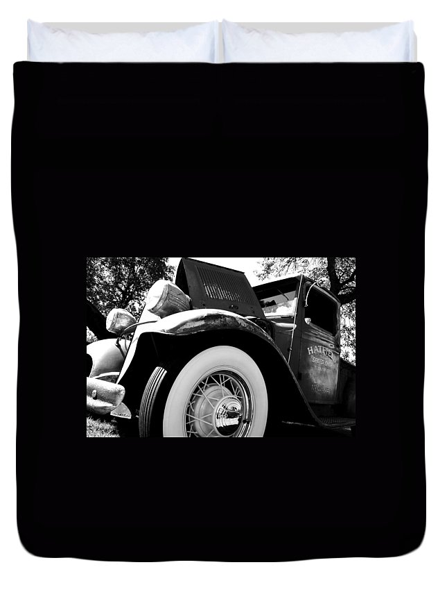 Port Washington Fishday Car Show Duvet Cover featuring the photograph Old Truck by Jamie Lynn