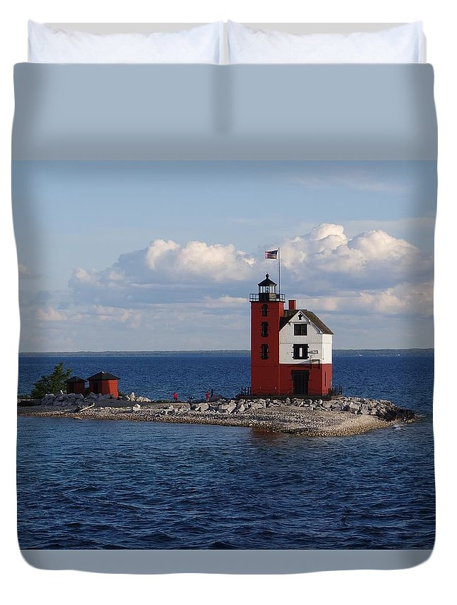 Round Island Lighthouse Duvet Cover featuring the photograph Round Island Lighthouse by Keith Stokes