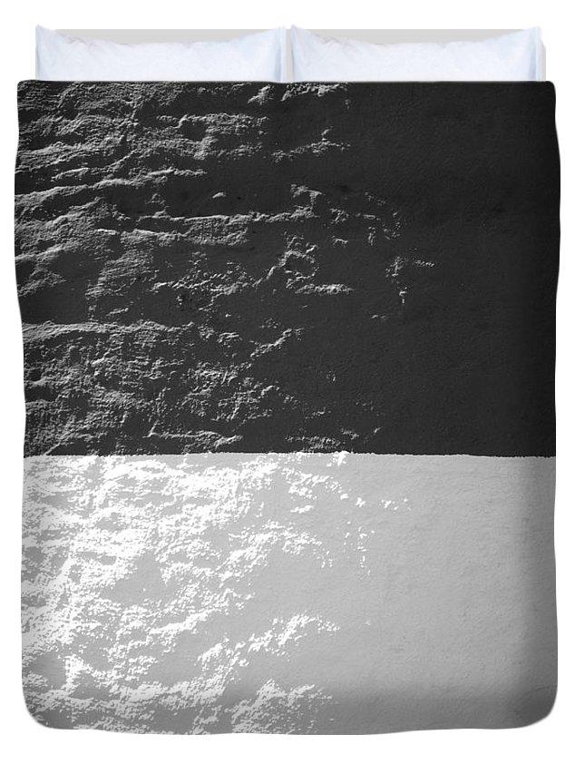 Sankaty Duvet Cover featuring the photograph Sankaty Head Lighthouse Nantucket by Charles Harden