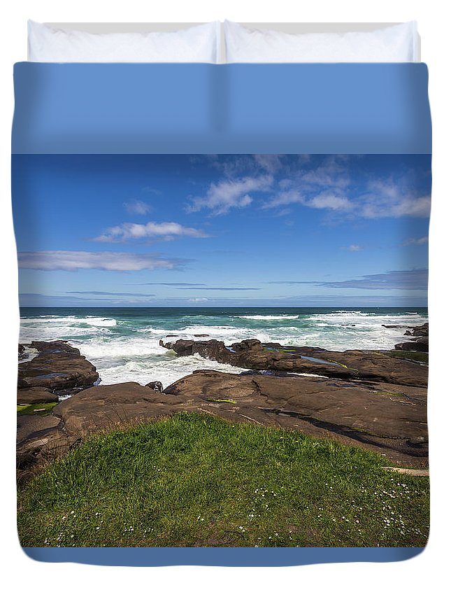 Yachats Duvet Cover featuring the photograph Serenity by Calazone's Flics