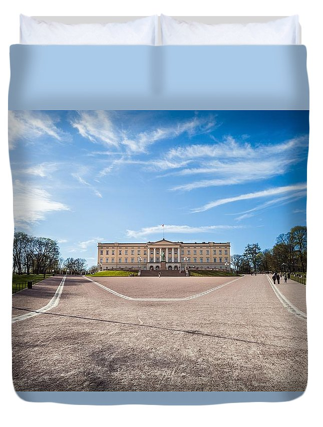 Oslo Duvet Cover featuring the photograph Slottet, The Royal Palace In Oslo, Norway by Leonardo Patrizi