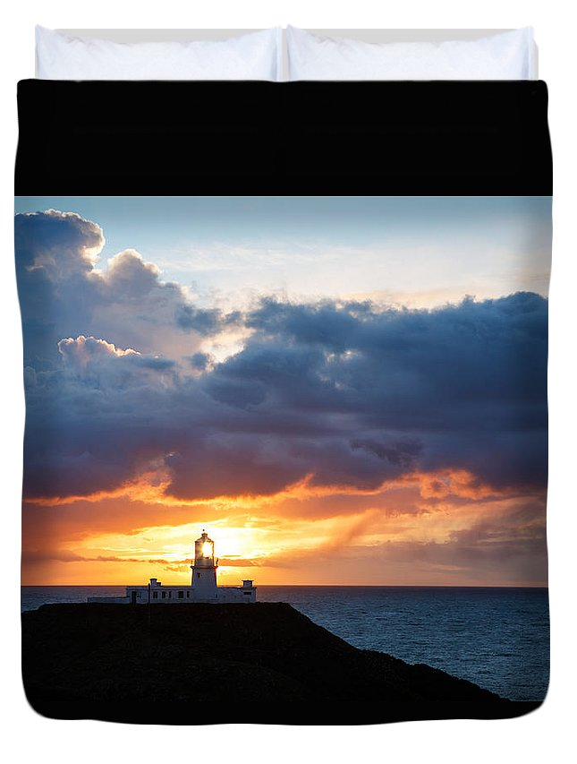 Lighthouse Duvet Cover featuring the photograph Sunset At Strumble Head Lighthouse by Ian Middleton