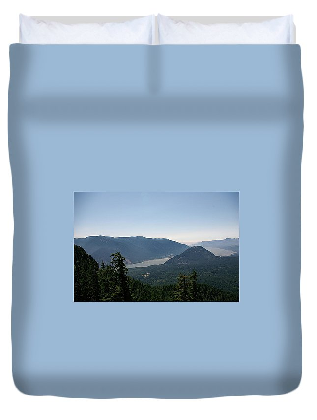 Scenic. Views Duvet Cover featuring the photograph The Columbia River by Jeff Swan