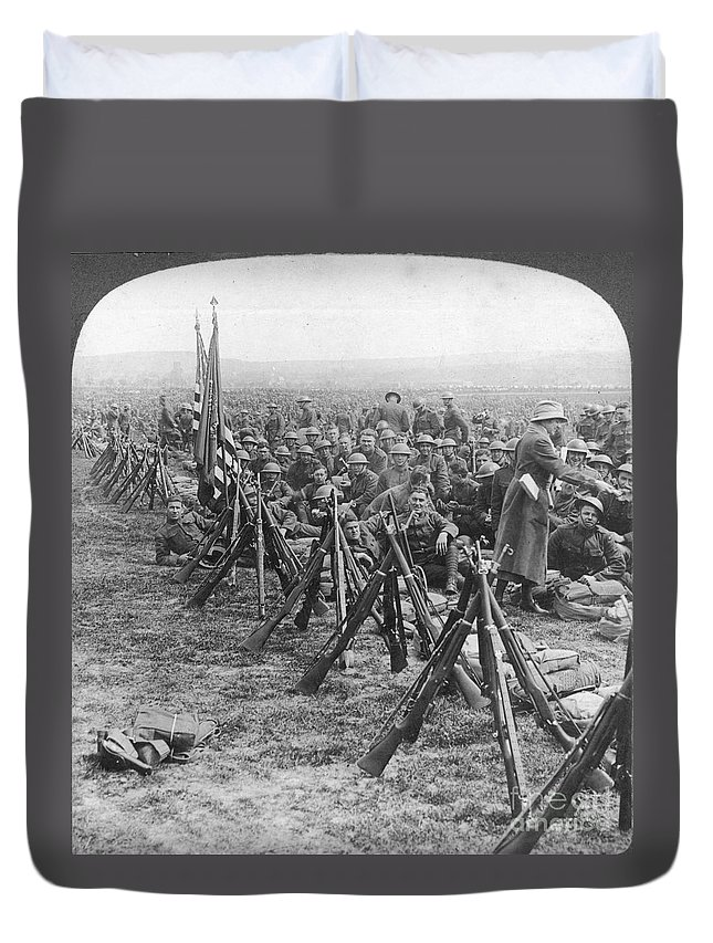 1919 Duvet Cover featuring the photograph World War I: U.s. Troops by Granger