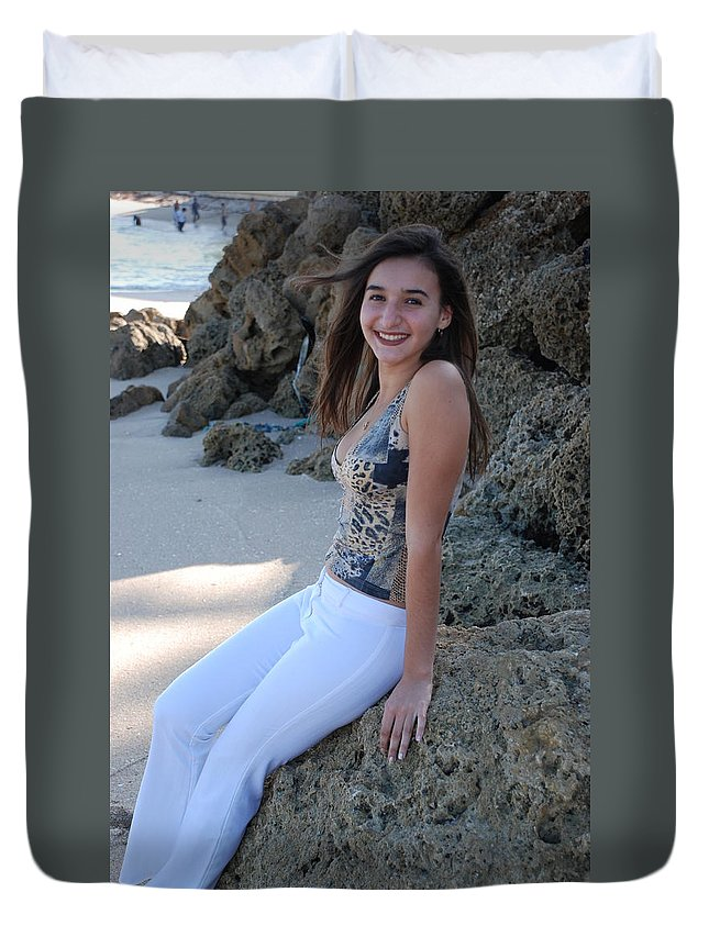 Women Duvet Cover featuring the photograph Gisele by Rob Hans