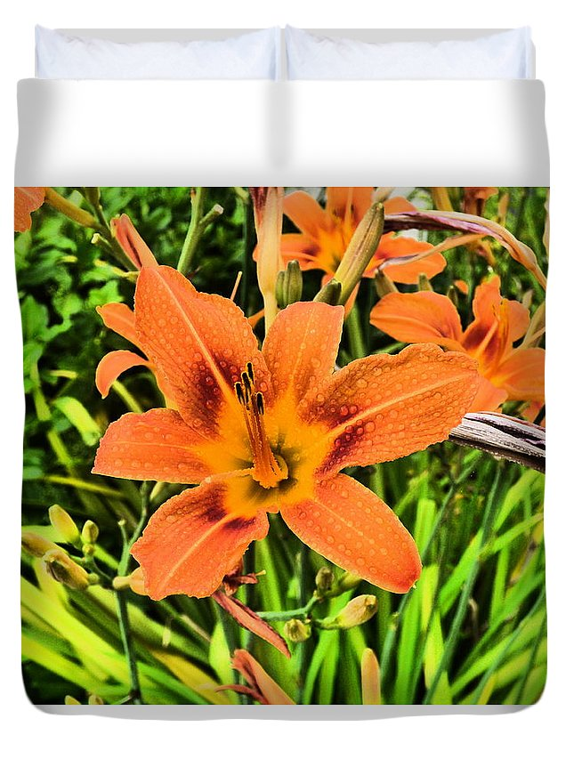 Paul Stanner Duvet Cover featuring the photograph Body Heat by Paul Stanner