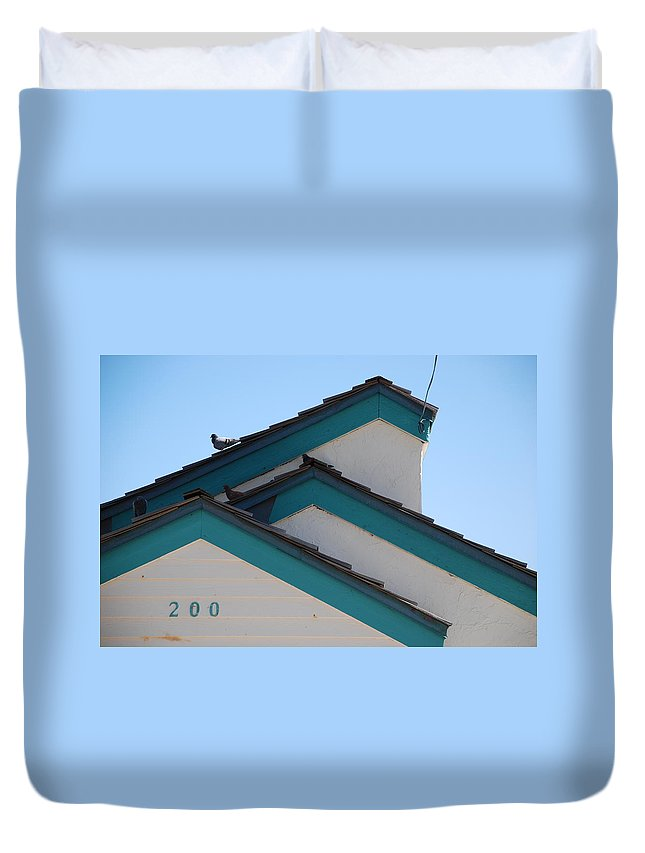 Birds Duvet Cover featuring the photograph 3 Roofs by Rob Hans
