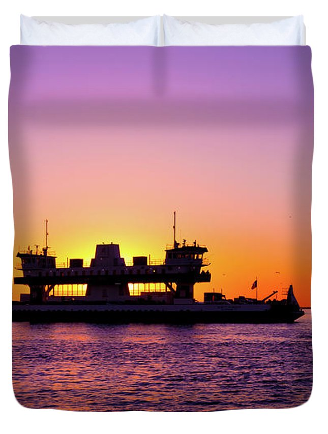 Sunset Duvet Cover featuring the photograph Sunset Silhouette by Subhadra Burugula