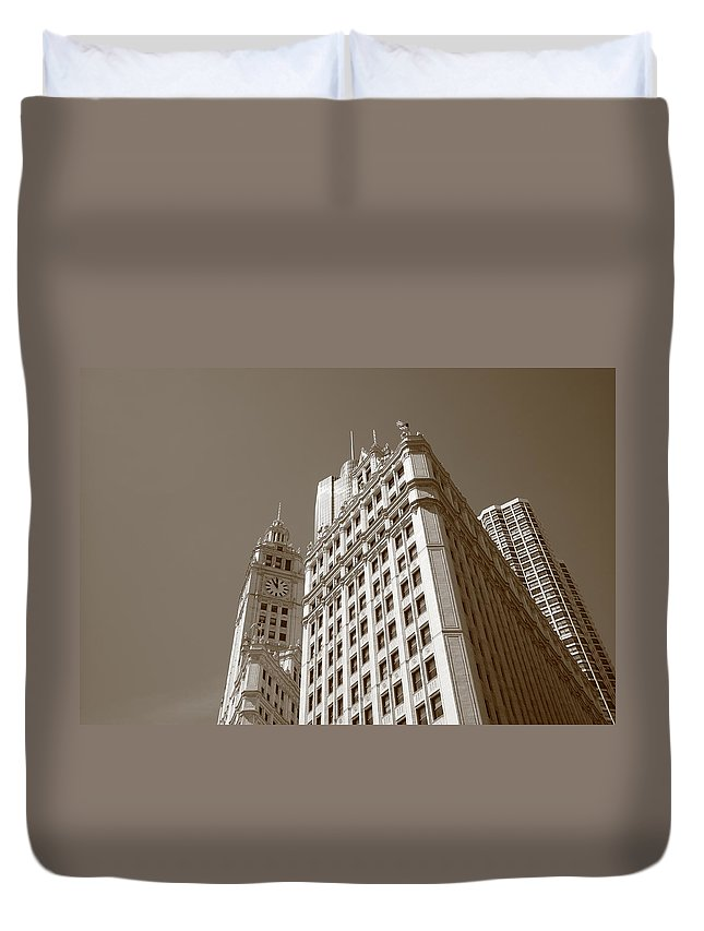 America Duvet Cover featuring the photograph Chicago Skyline by Frank Romeo