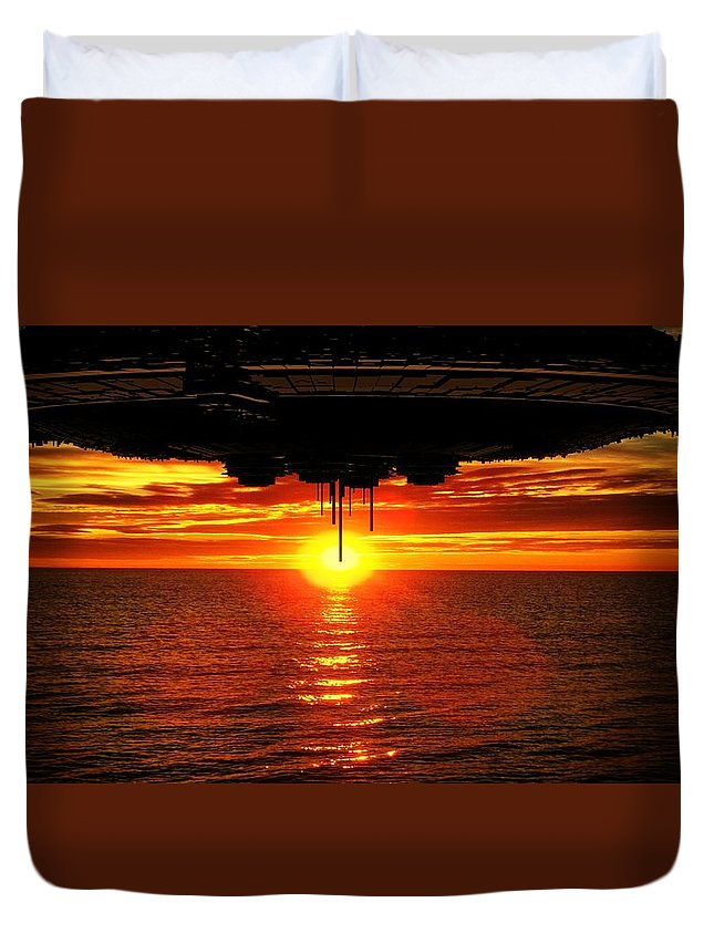 Ufo Duvet Cover featuring the photograph Alien Invasion By Raphael Terra by Raphael Terra