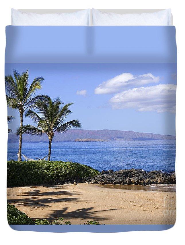 Beach Duvet Cover featuring the photograph Makena, Secret Beach by Ron Dahlquist - Printscapes