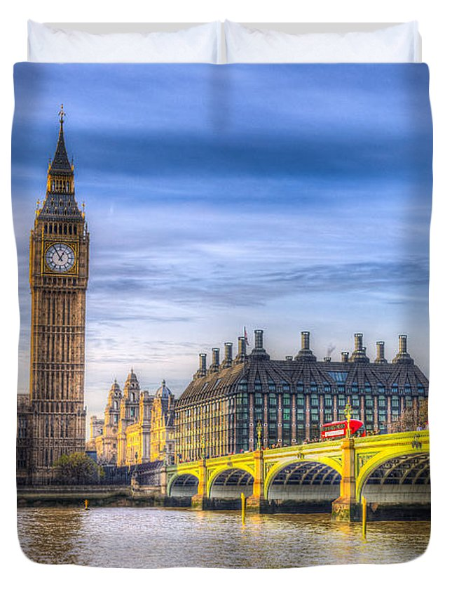 London Duvet Cover featuring the photograph Westminster Bridge And Big Ben by David Pyatt