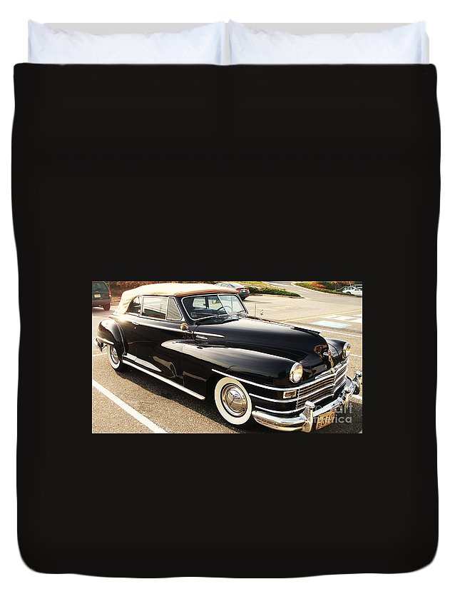 Automobile Duvet Cover featuring the painting 47 Packard by Eric Schiabor